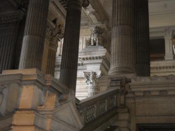 Detalle acceso. Palacio de Justicia. Bruselas.