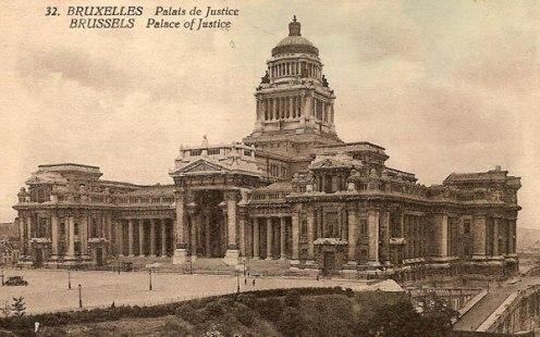 Carta postal con el Palacio de Justicia en vista general